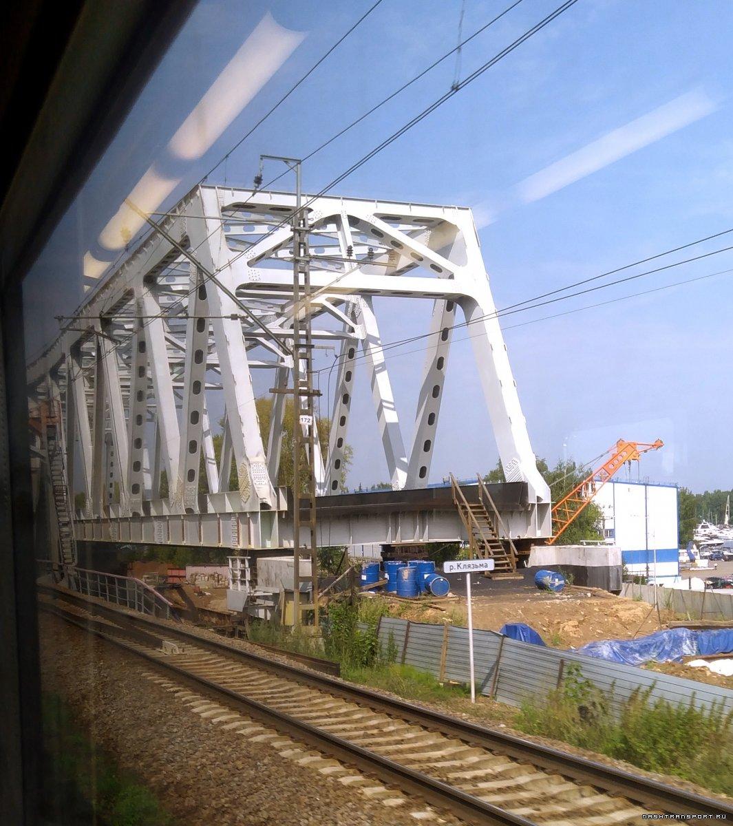 1ккккКлязьма, мост собран, но не установлен.